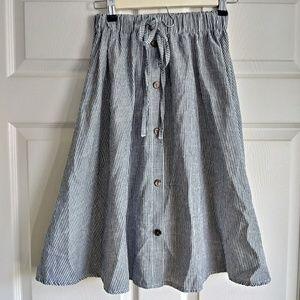 Dresses & Skirts - Stripe gray white navy button skirt